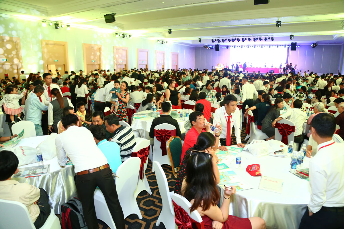 Hơn 1.000 khách tham dự lễ mở bán dự án Cát Tường Phú Sinh