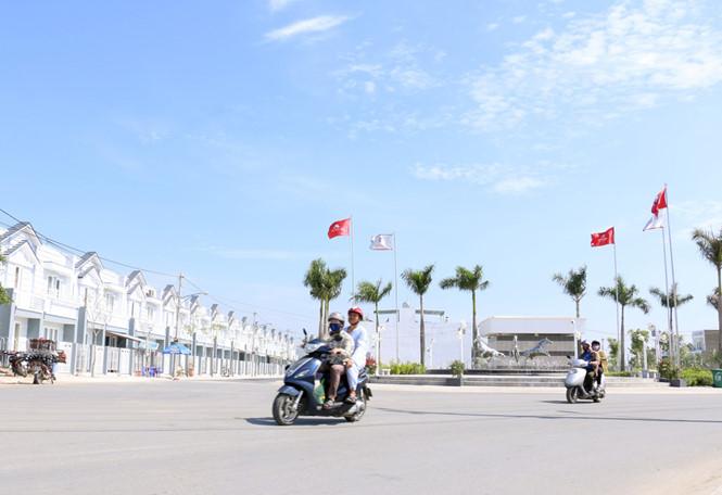 """Sốt đất nền Sài Gòn, doanh nghiệp BĐS bẻ lái đầu tư tận dụng """"cơ hội vàng"""""""
