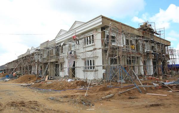 """Theo chân """"cơn sốt"""" nhà xây sẵn tại phía Tây Bắc Sài Gòn"""